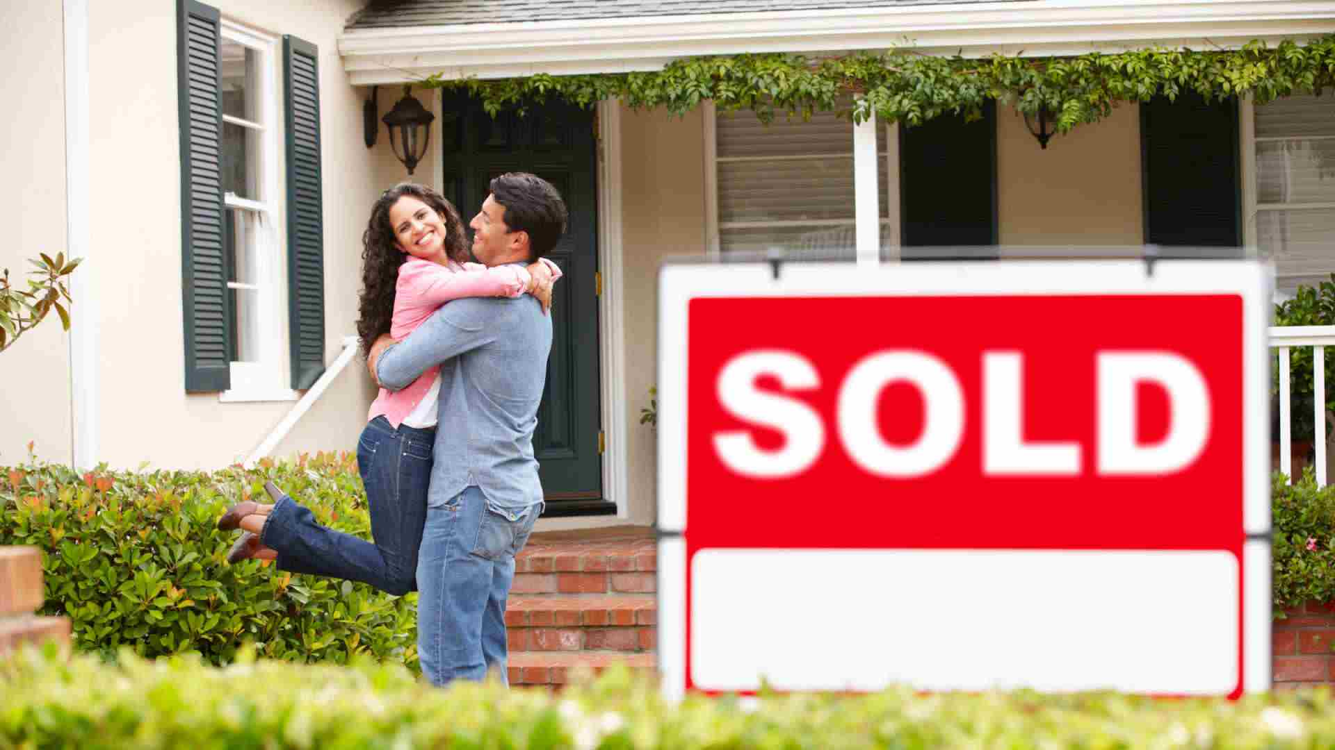 6 finance tips for buying your first home