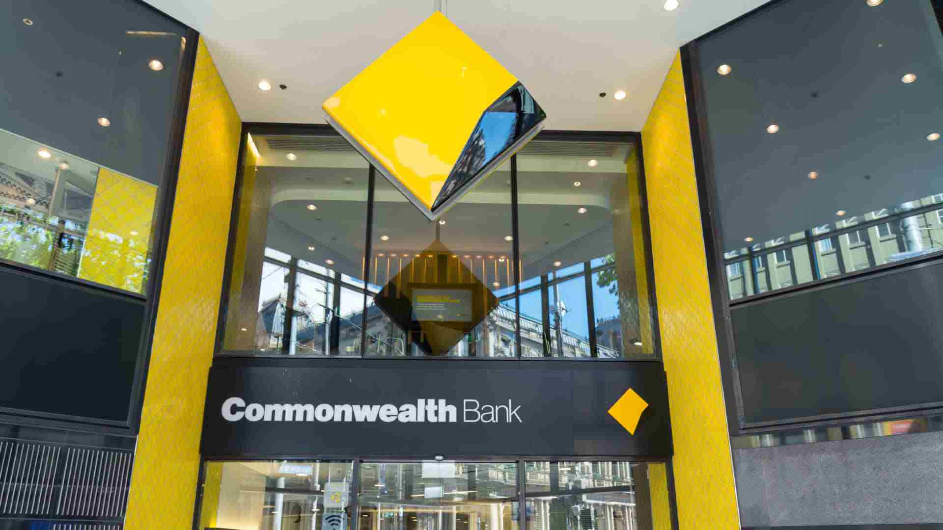 Banks start to move away from record-low fixed rates